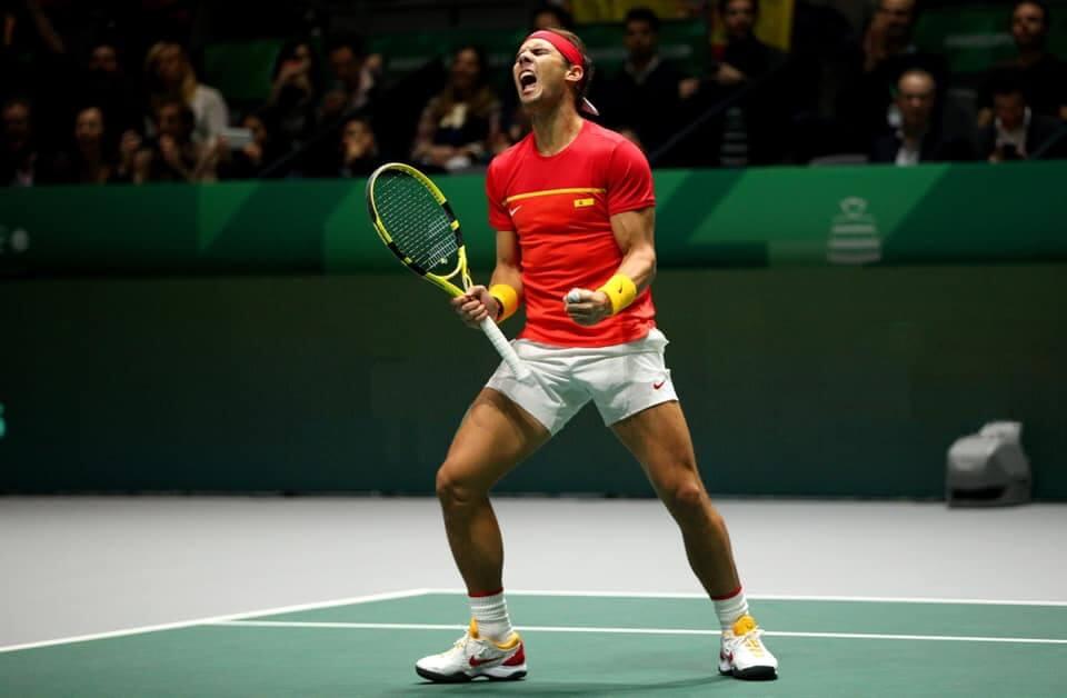 Rafael Nadal stosuje co-poliestrowy naciąg Babolat RPM Blast naciągnięty na ok. 25 kg (dane na 2019 rok)